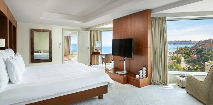 ambassador-suite-bedroom