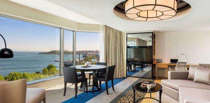 deluxe-suite-bosphorus-view-room-6