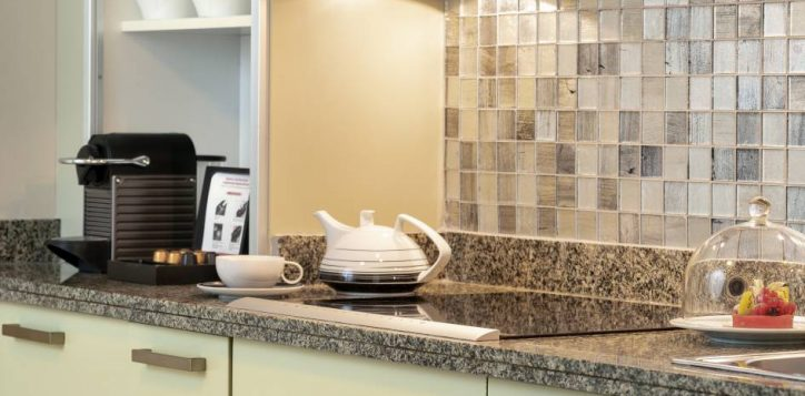 ambassador-suite-kitchen-2