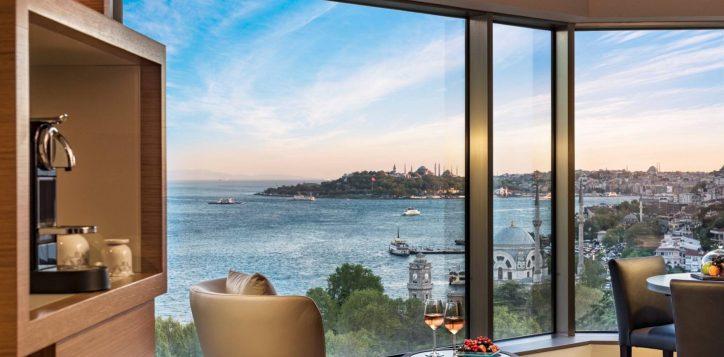 deluxe-suite-bosphorus-view-room-4-2