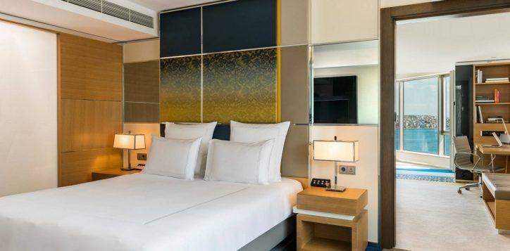 deluxe-suite-bosphorus-view-room-9-2-2