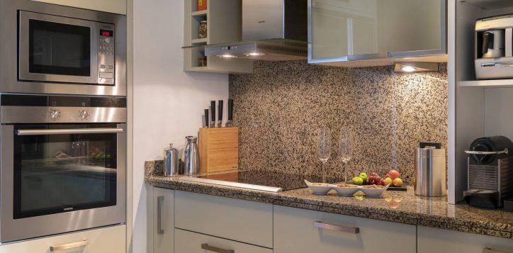 presidential-suite-kitchen-2
