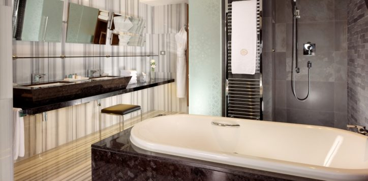 residence-2-bedroom-bosphorus-view-4