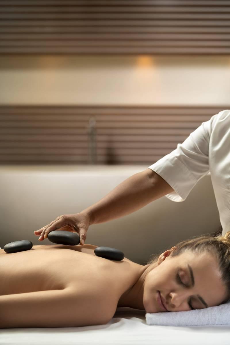 massage-model_2th1034-min-2